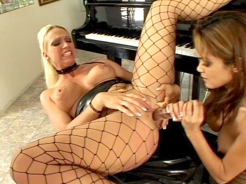 Nicky Hunter and Daisy is not a match that would have happened on their own. Only through the miracle of the smut industry did they get brought together sexually. The result was a sparkling orgasm for each of them, something they are both thankful for!video