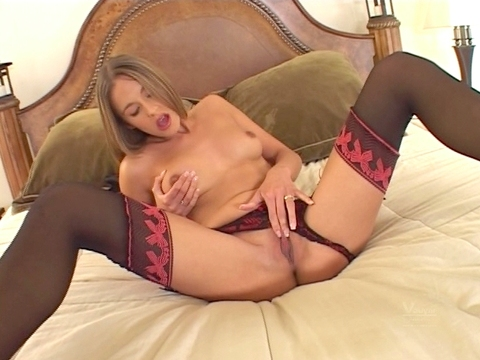 Even in England they keep interracial couples from gettin\' they freak on! Poppy Morgan spreads wide so Tee Reel can come inside, and when this brotha is done poling her hole he yanks out his wang just in time to splatter her face with a huge dose of man sauce!video