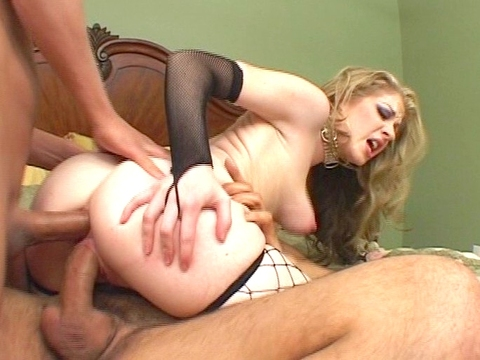 What better way to spend an afternoon than inside Haley Scott\'s pussy or ass, or, in this case, both? Haley frantically licks and sucks her two men\'s thick rods and they somehow manage to fit inside both her holes at the same time for a really tight fit. video