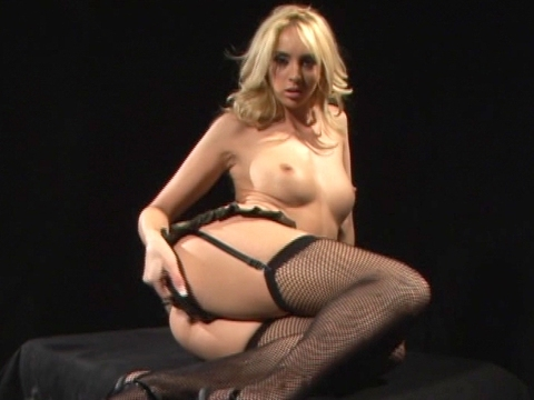 Kelly Wells gets fucked in fishnet stockingsvideo